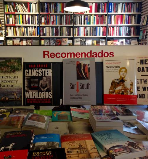 """Sur/South"" in der Buchhandlung La Central de Callao, Madrid"