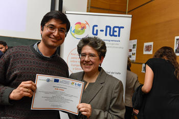 On behalf of the network G-NET Berlin Dr. Martha Zapata Galindo awarded the participants of the workshops.